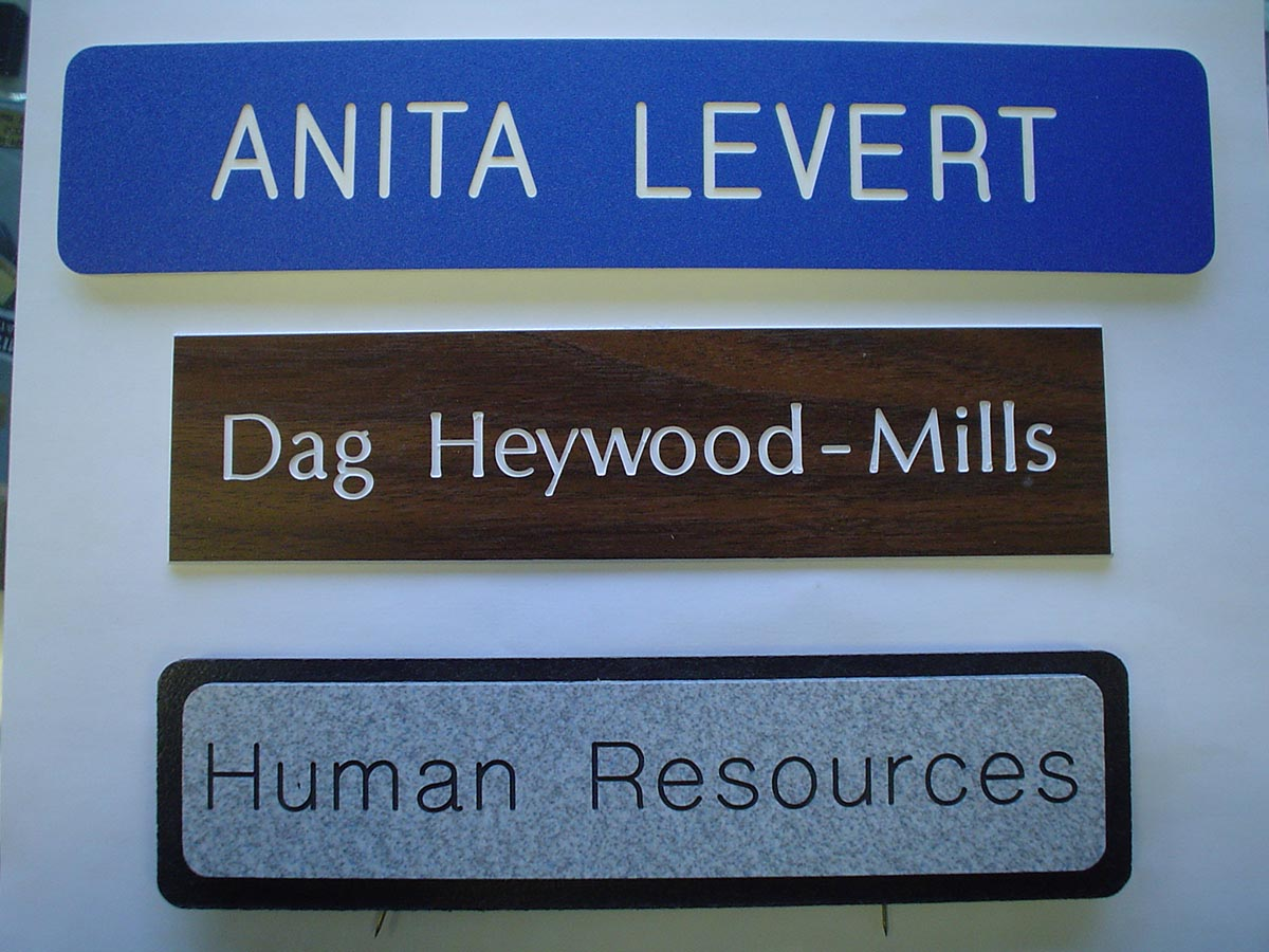 Engraved Plates Custom Plaques Signs Name Tags
