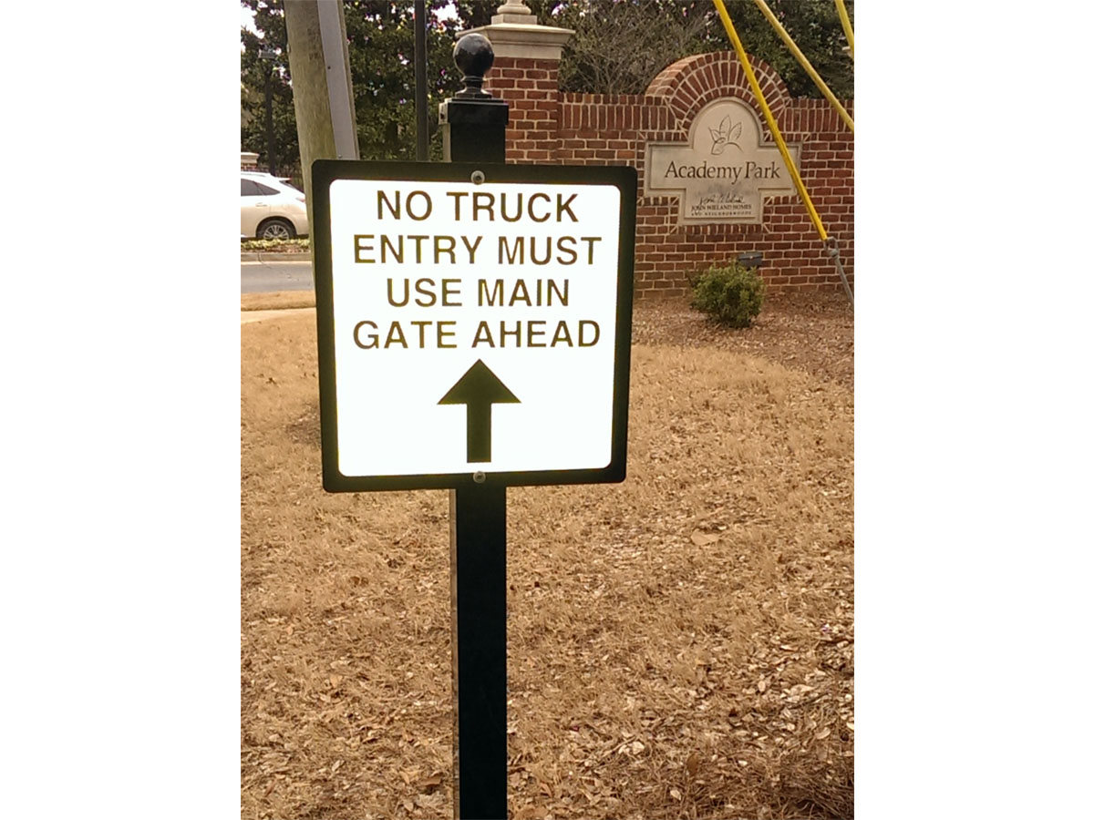 no truck entry sign
